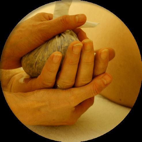 Massage indien aux pochons